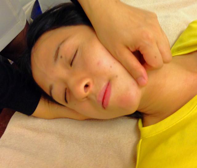 頭痛・首肩こり専門 女性専門 せんだがやカイロプラクティック 代々木, 新宿, 千駄ヶ谷, 北参道, 国立競技場から徒歩圏内